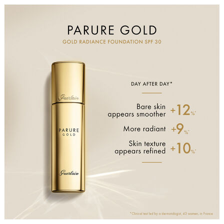 Gold radiance Foundation SPF 30 (See 2/3)