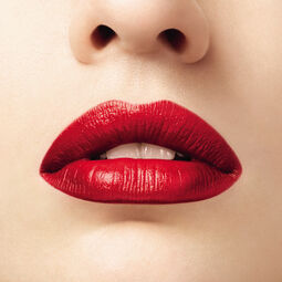 The lipstick shade (See 2/2)
