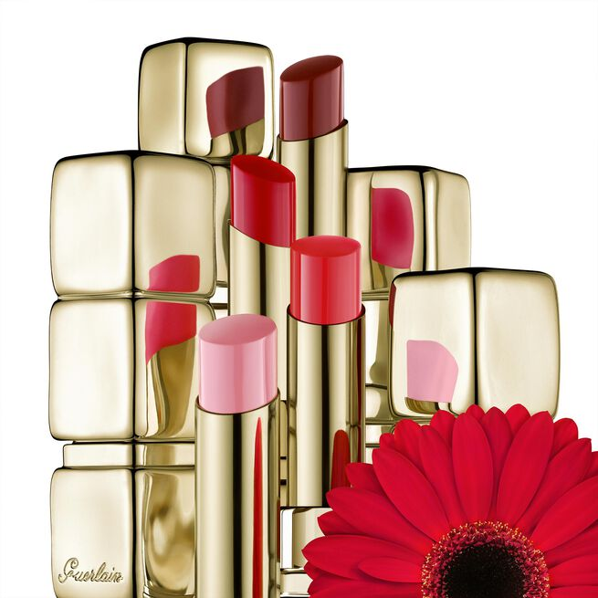 95% naturally-derived ingredients shine lipstick (See 4/5)