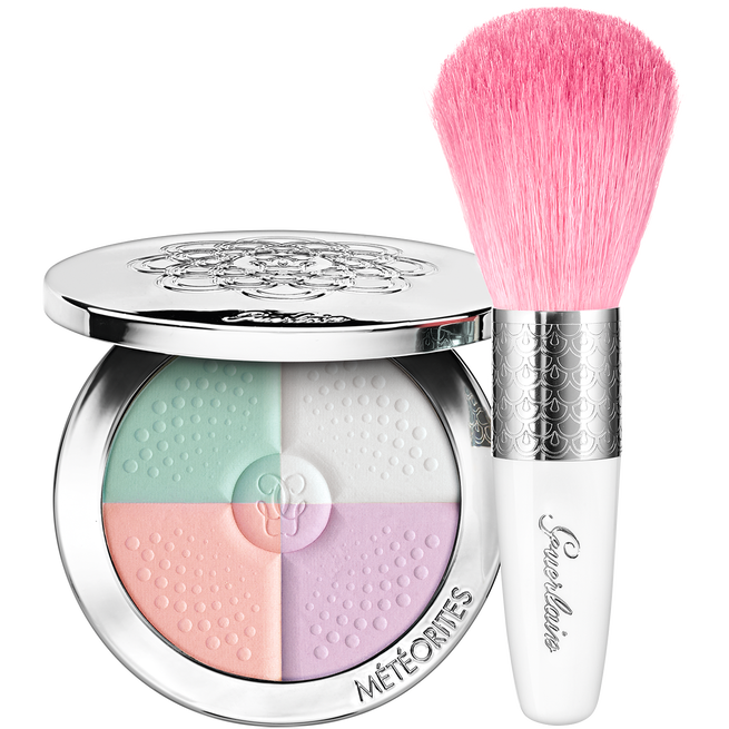 Colour-Correcting, blotting and Lighting Powder & Brush (See 1/1)