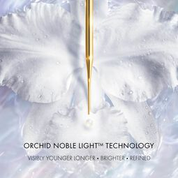 The brightening Radiance Essence-in-Lotion (See 3/4)