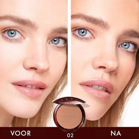 Het bronzing poeder dat is samengesteld uit 96% ingrediënten van natuurlijke oorsprong (Bekijken 3/5)